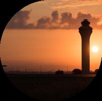 Neste ja Dallas-Fort Worthin kansainvälinen lentoasema (DFW) yhteistyöhön ilmailun vastuullisuuden edistämiseksi