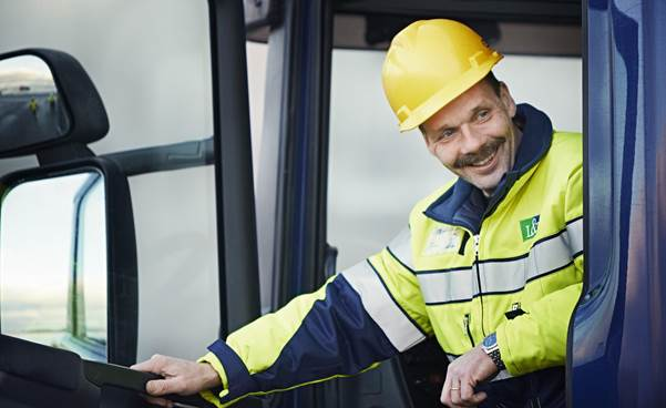 Finnish service company Lassila & Tikanoja is reducing its carbon dioxide emissions by committing to use Neste MY Renewable Diesel in selected waste transport trucks.