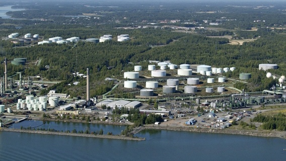 The Naantali oil terminal is the fifth-largest port in Finland in terms of traffic volume. The refining capacity of crude oil at Naantali is approximately 58,000 barrels a day, with the production totaling 3 million tons a year.