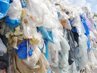 REMONDIS and Neste into partnership to develop chemical recycling of plastic waste.