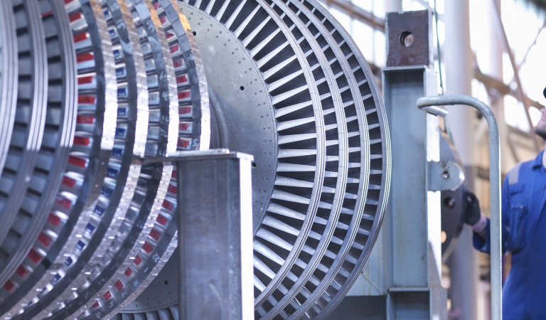 Our industrial products include lubricants for a wide variety of applications from the circulation oils for paper machines to industrial gears or hydraulics.