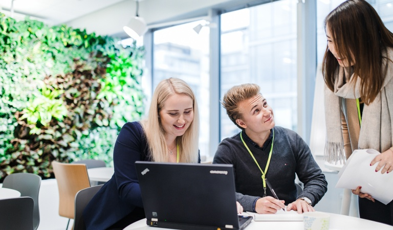 We offer hundreds of students and schoolchildren annually the opportunity to come and work for us as summer interns and trainees, as well as a place to do their degree theses.