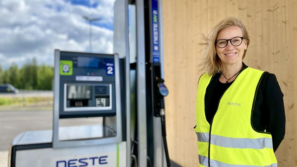 Liikenneasemakin voi olla vähäpäästöinen ‒ miten Suomen ensimmäinen  sai alkunsa?